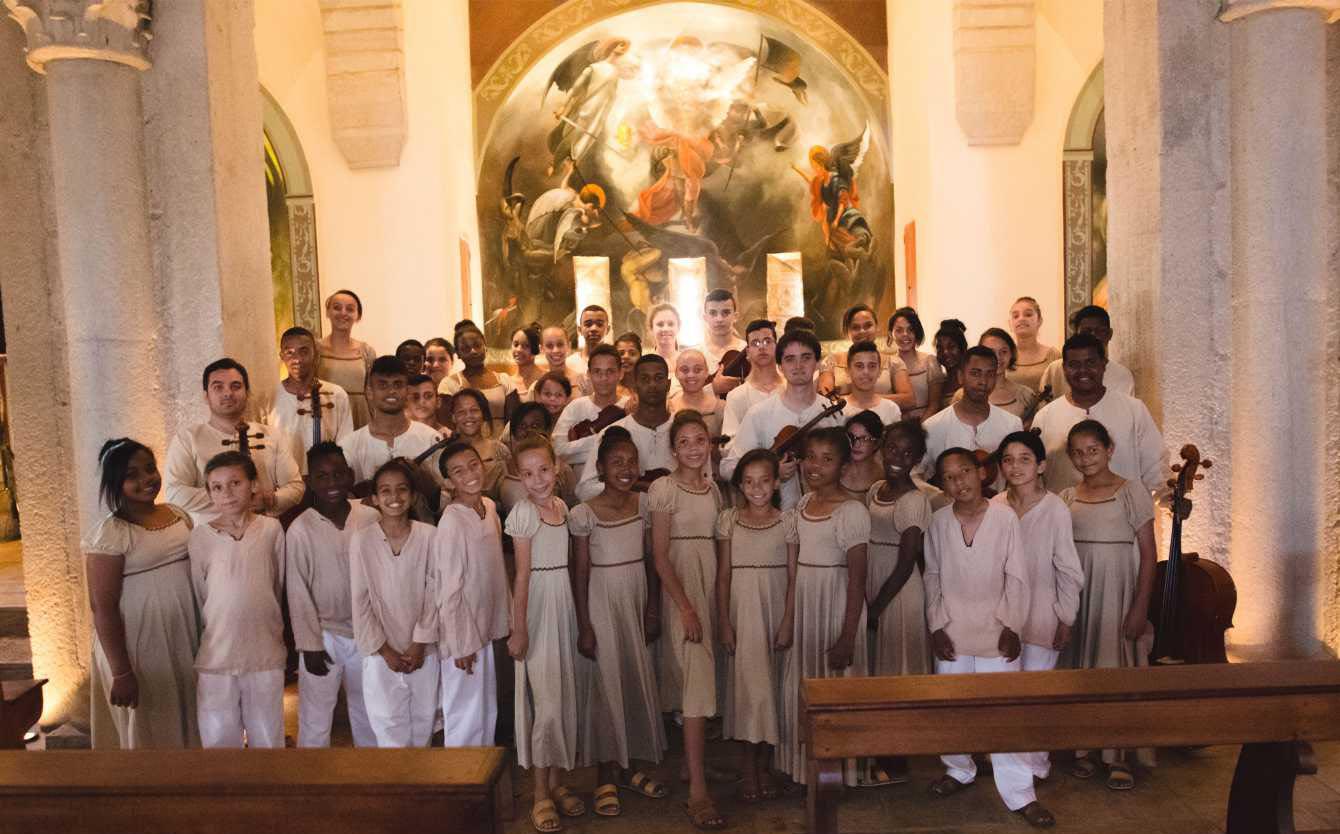 655 Orquestra Coral
